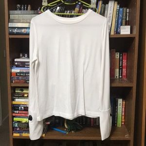 Beautiful white top with sleeve detail